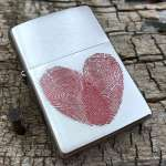 Фото Зажигалка Zippo Heart Thumbprints 29068 | Интернет магазин Bird.in.ua
